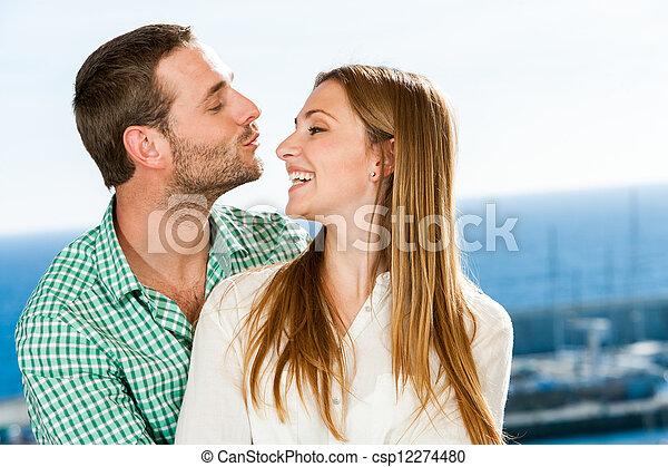 around., coppia, giovane, gioco - csp12274480