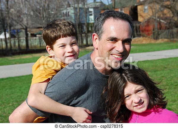 bambini padre, famiglia - csp0278315