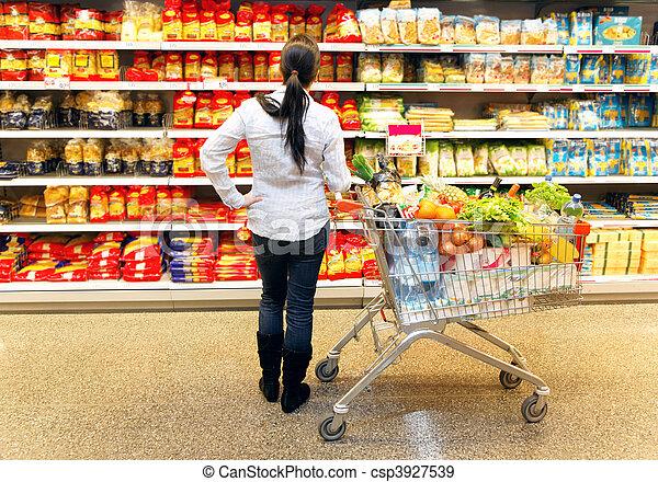grande, donna, selezione, supermercato - csp3927539