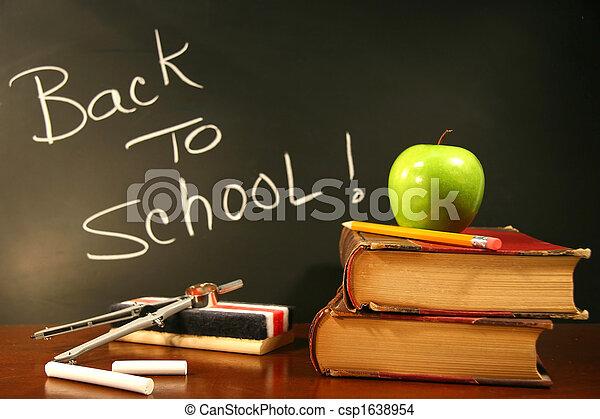 libri scuola, mela, scrivania - csp1638954