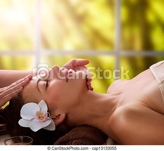 massaggio facciale, terme - csp13133055