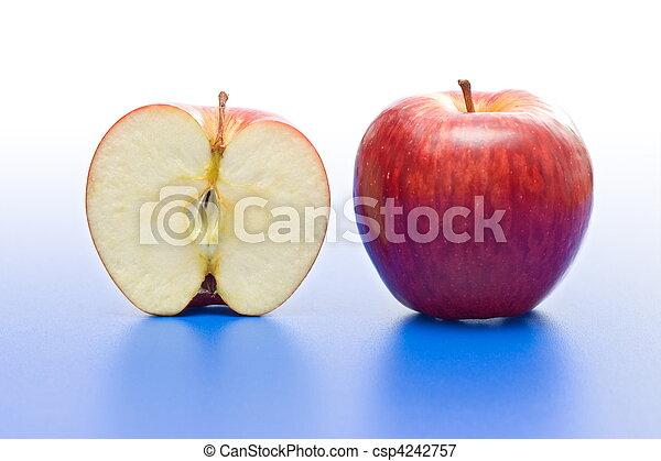 mela intera, mezzo - csp4242757