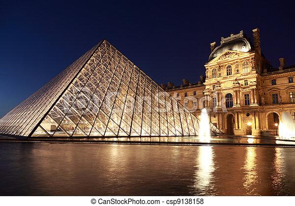 pavillon, 2010, piramide, peso, louvre, parigi, gennaio, 1:, -, 180, parigi, circa, sera, france., —, tons., rishelieu, 1, vista - csp9138158