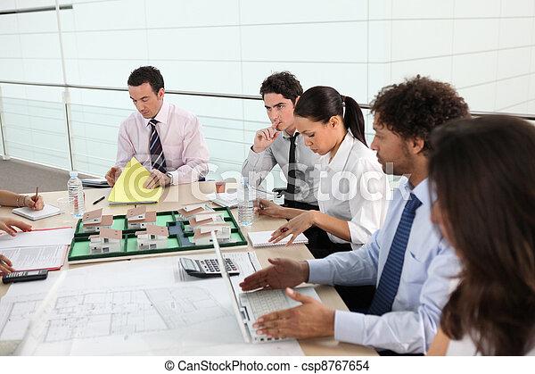 riunione, vendite uniscono - csp8767654