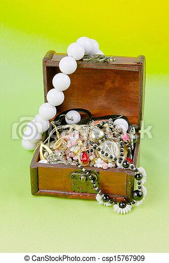 scatola, luce, tesori, sfondo verde, piccolo - csp15767909