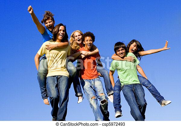 spalle, adolescenti, corsa, diverso - csp5972493