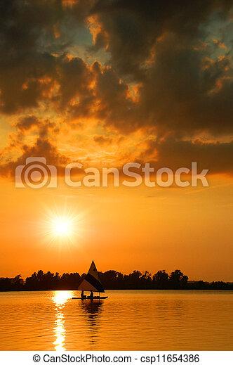 tramonto, navigazione - csp11654386