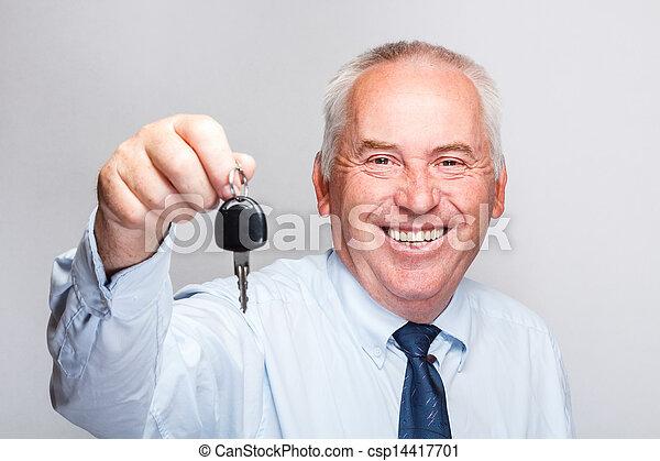 uomo affari, presa a terra, chiave, automobile - csp14417701