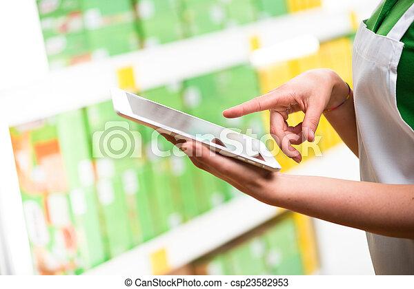 usando, impiegato, vendite, tavoletta - csp23582953