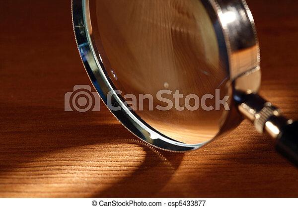 vetro, ingrandendo - csp5433877